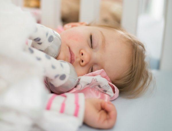 Les heures de sommeil qu'un enfant doit avoir